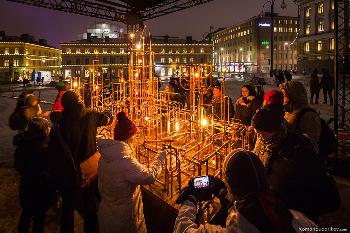 Interactive light art installation Light Pipes by Rölli Ridanpää and Tero Laine at the Senate Square. Lux Helsinki 2017 Light Festival.